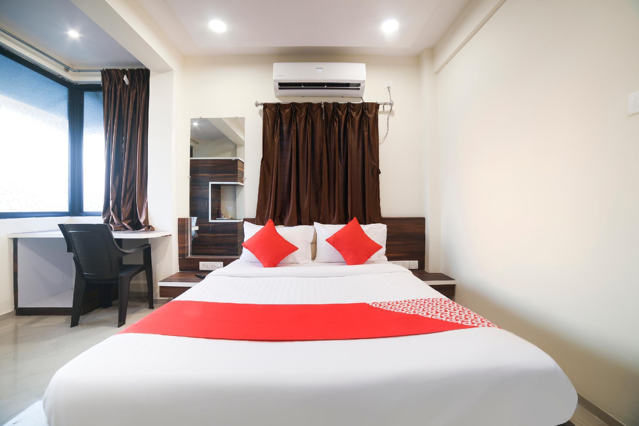 OYO 46080 Hotel Club Metro