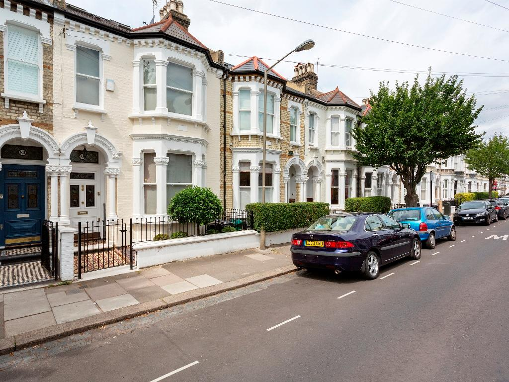 Veeve  5 Bed Family House Montholme Rd Clapham Battersea
