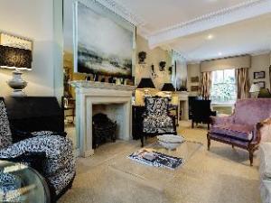 Veeve  5 Bedroom House In Brook Green Near Kensington