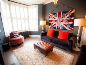 Veeve  Interior Designed 4 Bed House Dudley Road Queens Park