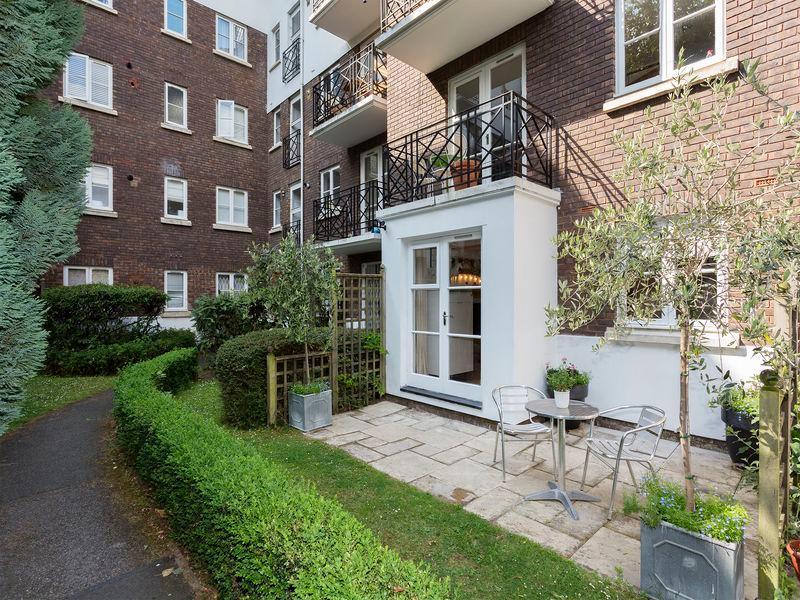 Veeve  1 Bed Flat Brompton Park Crescent Fulham