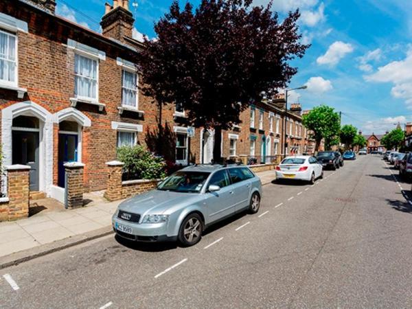 Veeve 4 Bedroom Between Queen S Park & Notting Hill London