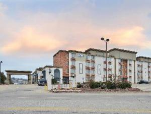 Lexington Inn Shalimar Plaza and Conference Center
