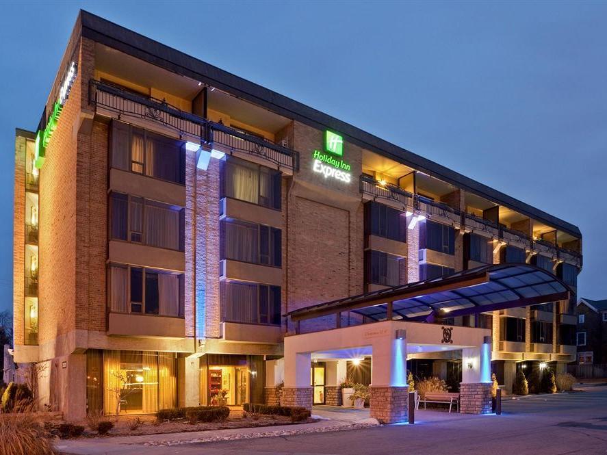 Holiday Inn Express Detroit Birmingham