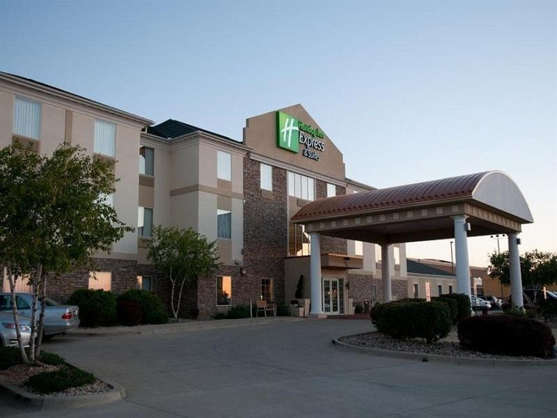 Holiday Inn Express Hotel And Suites Bloomington Normal University Area