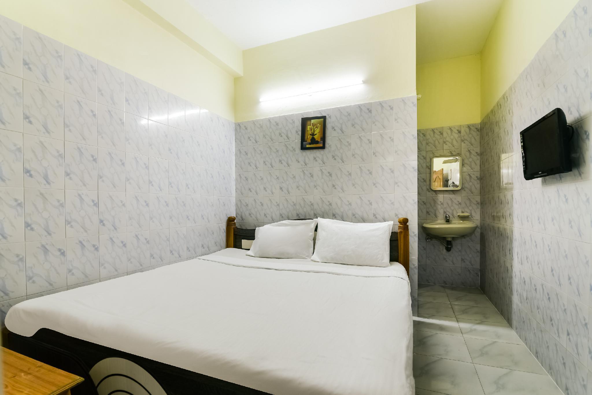 SPOT ON 61964 Jayalakshmi Residency