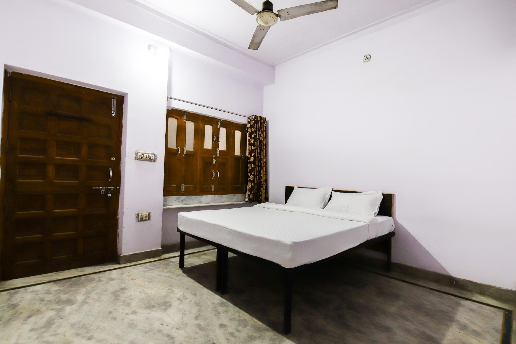 SPOT ON 49572 Hotel Pratap