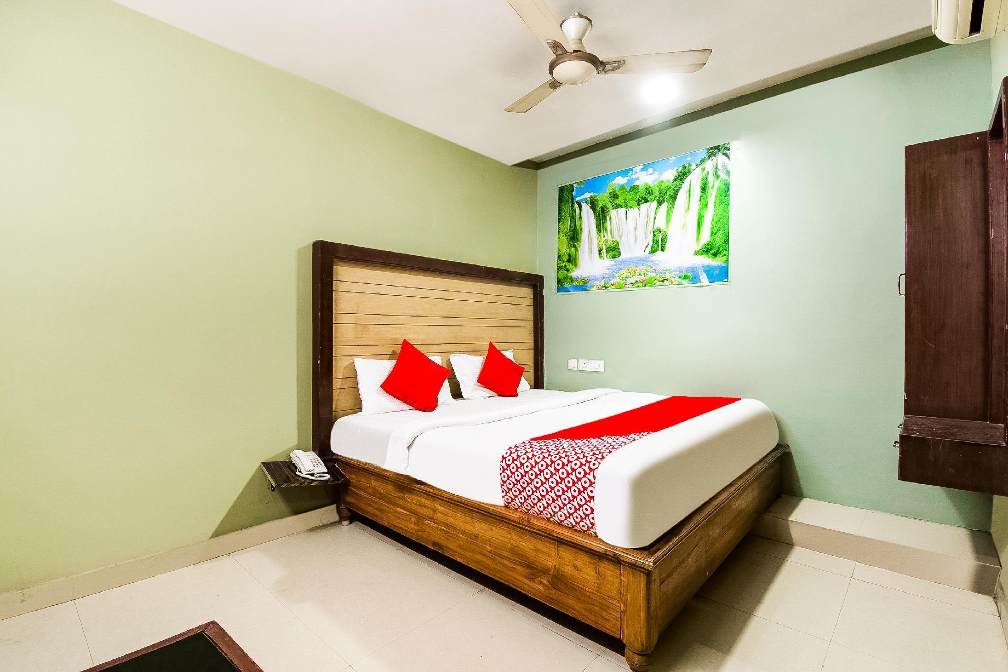 OYO 61140 Srikesh Residency