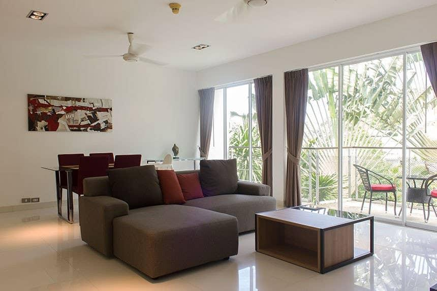 2 Bedroom Apartment In Tropical Setting.