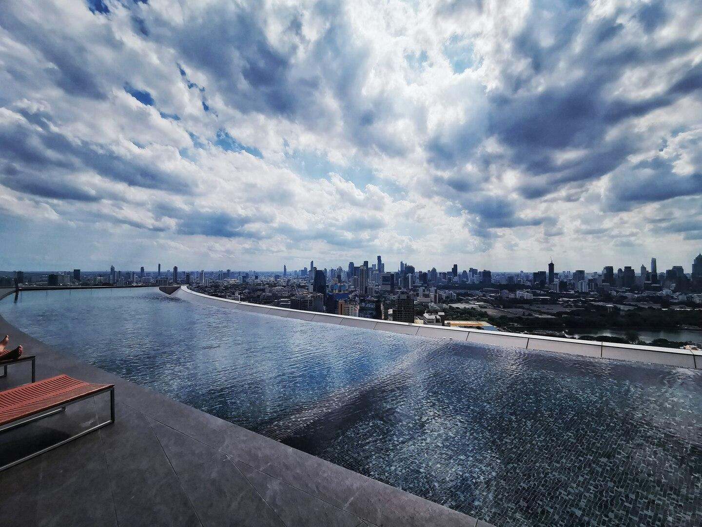 Net Red Infinity Pool Top Apartment High Rise