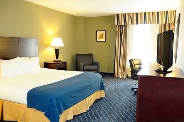 Holiday Inn Express   Delafield