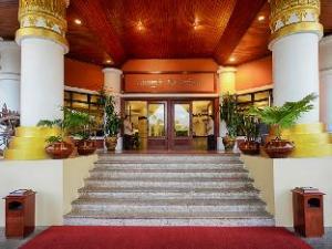 Summit Parkview Hotel