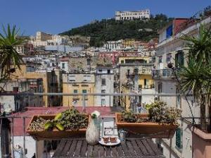 Sui Tetti di Napoli