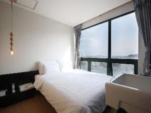 Mini Hotel May Nampo