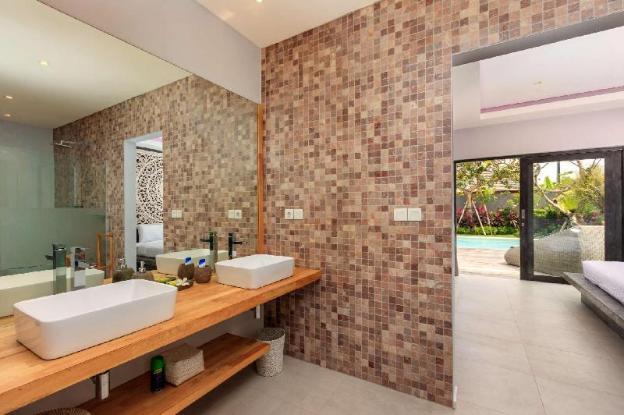 Luxury 3 Bedroom Holiday Villa in Kerobokan with Private Pool, Villa Bali 2041