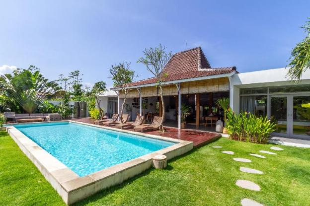 At Last, Rent Your Own 5 Star Private Villa in Seminyak at an Affordable Rate, Bali Villa 1153