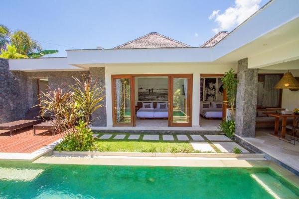 Imagine Renting a Luxury 2 Bedroom Holiday Villa Close to Seminyak's Main Attractions, Bali Villa Bali