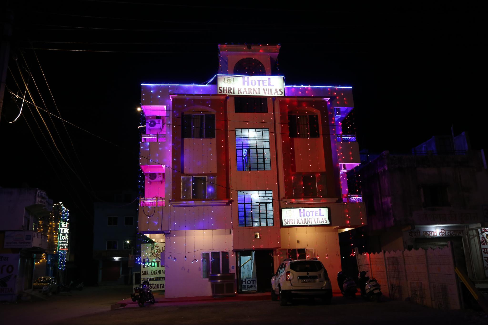 Hotel Shri Karani Vilas