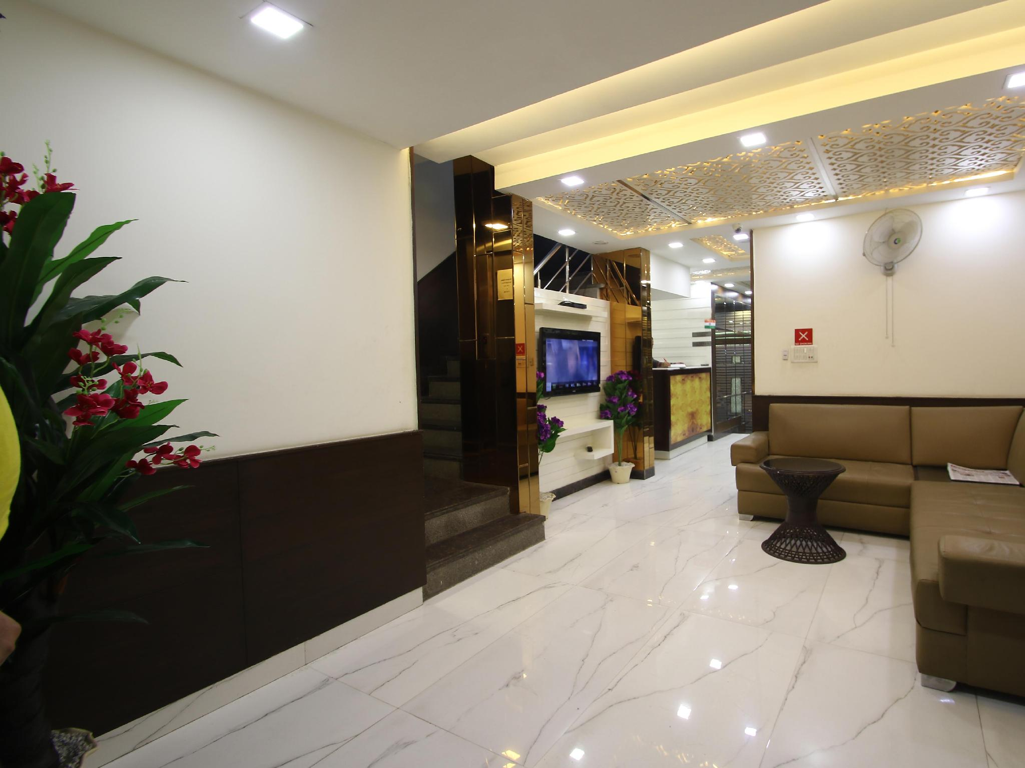 Hotel Hill Palace
