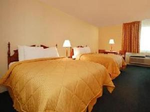 Econo Lodge Inn and Suites West