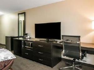 Sleep Inn and Suites Ames