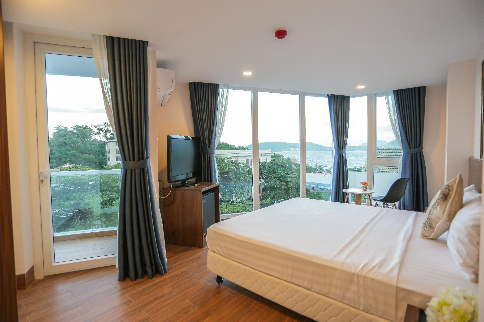 Cliff Hotel Nha Trang