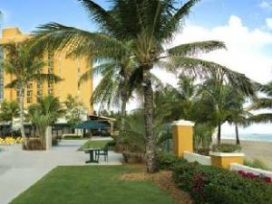 Courtyard By Marriott San Juan Isla Verde Hotel