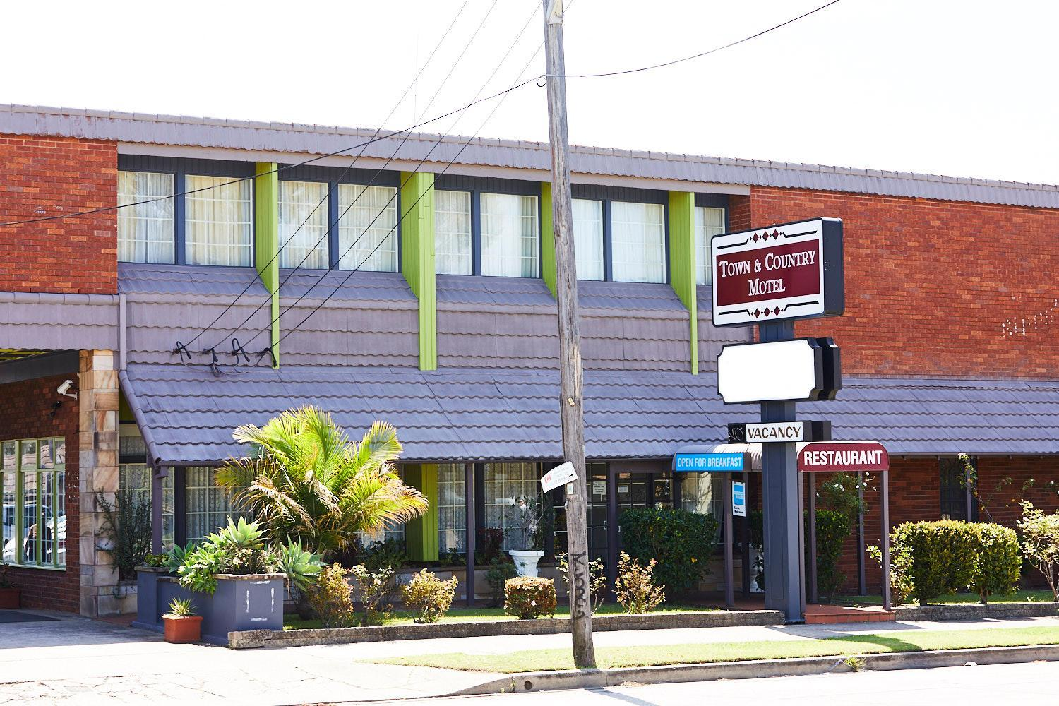 The Town And Country Motel