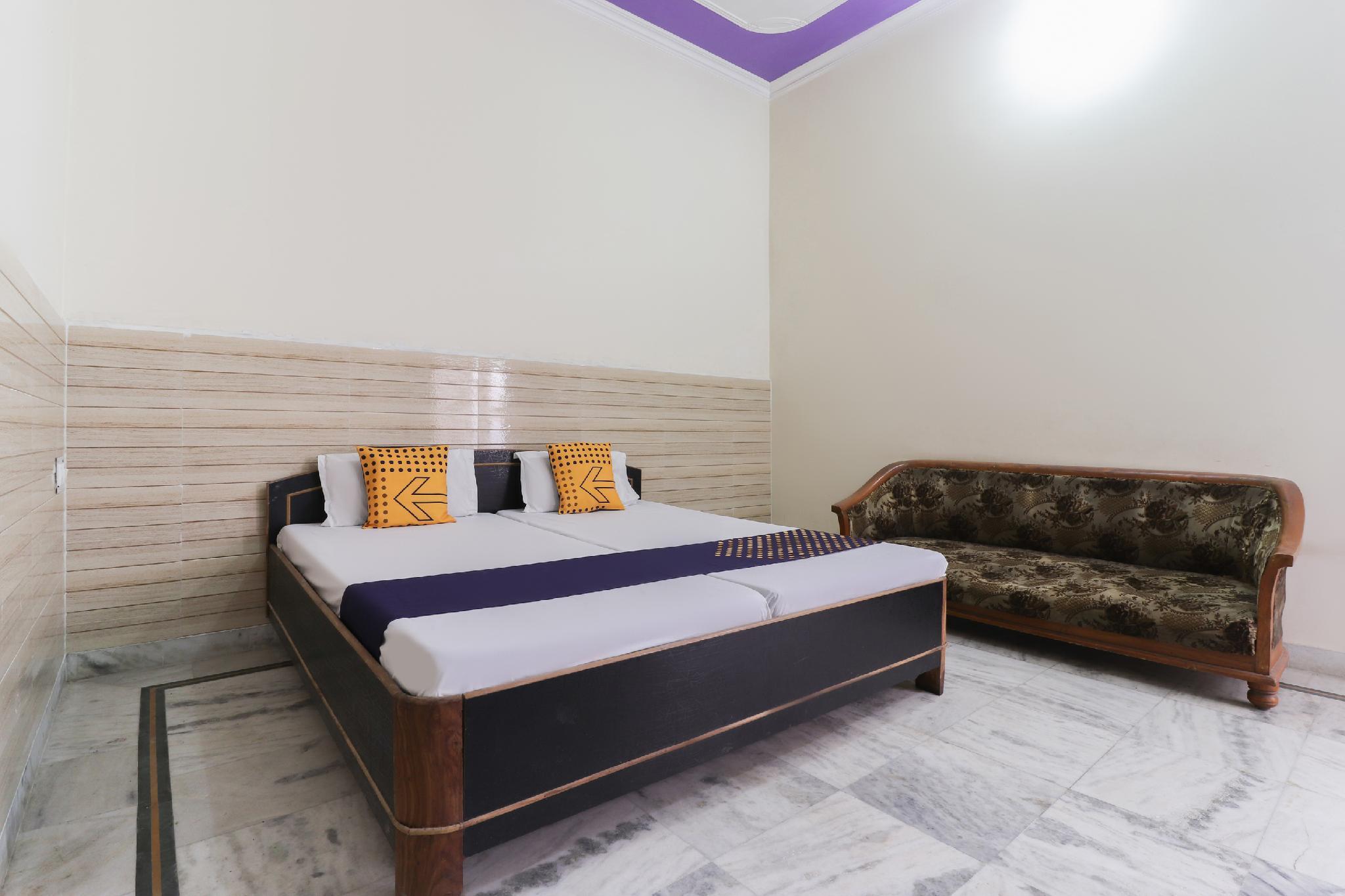 SPOT ON 61743 Hotel Manas