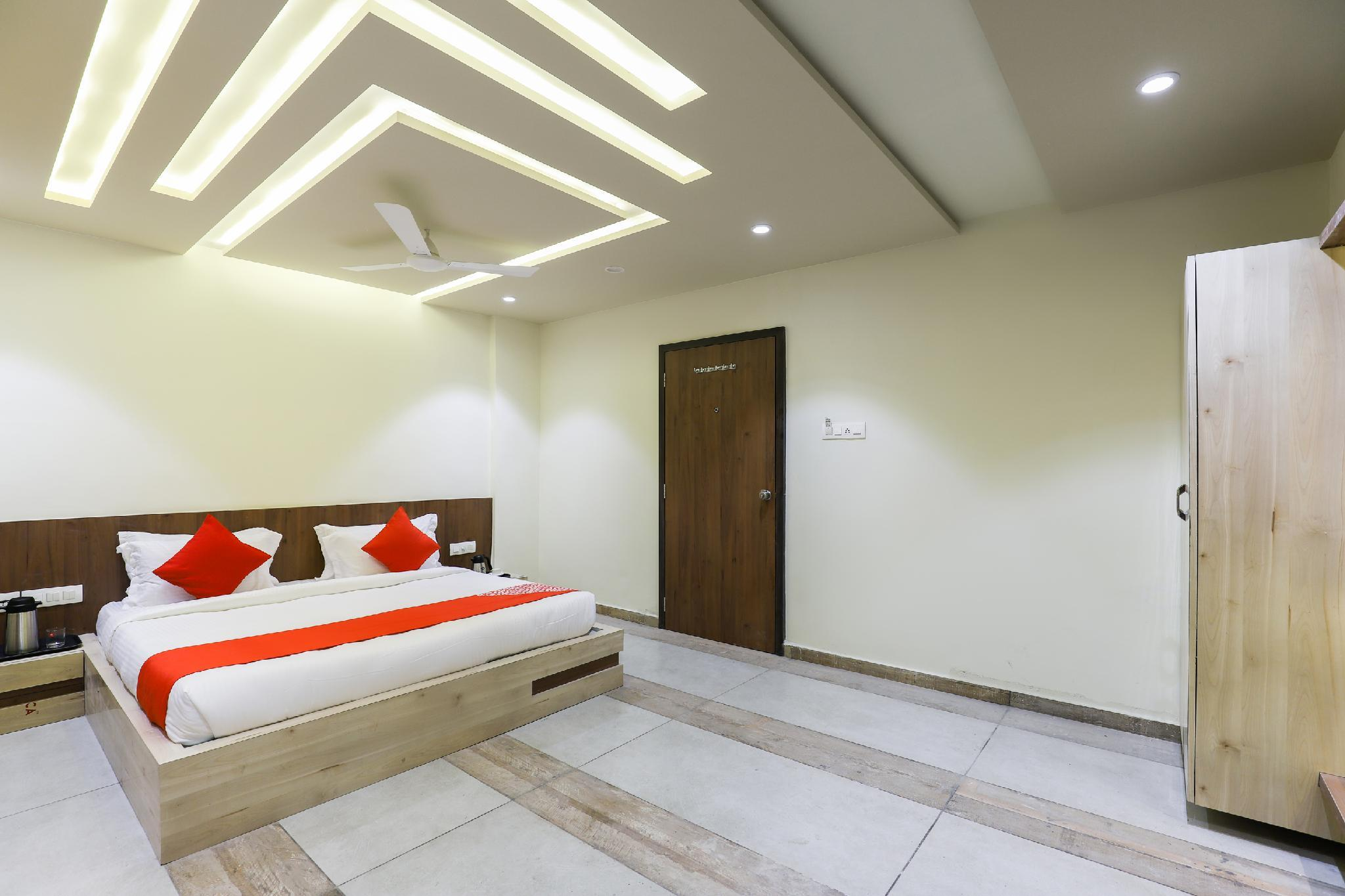 OYO 48307 Hotel Majestic Somnath