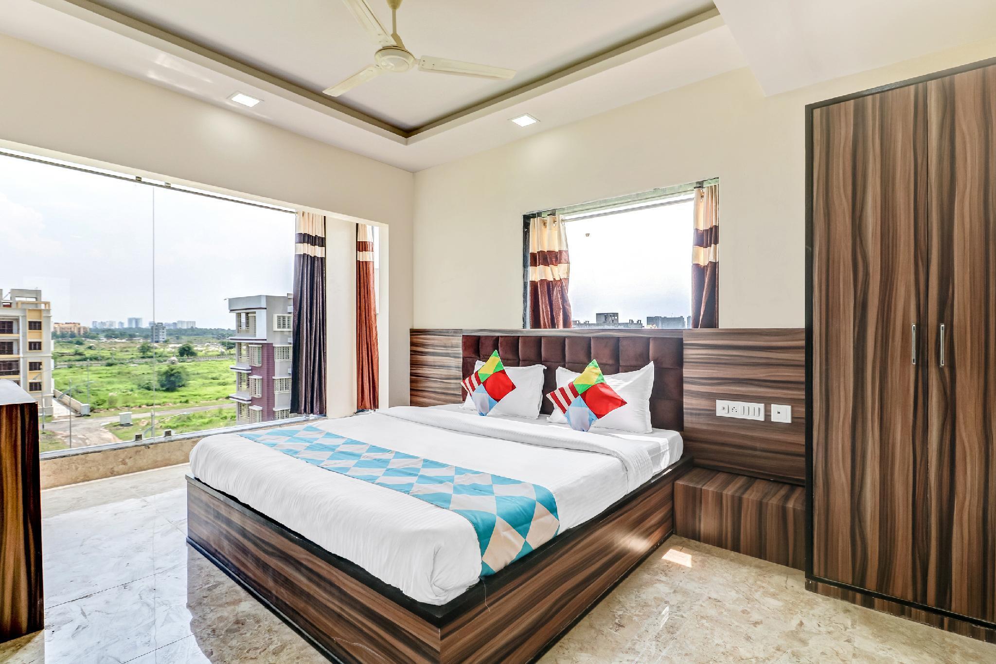 OYO 45491 Luxurious Home