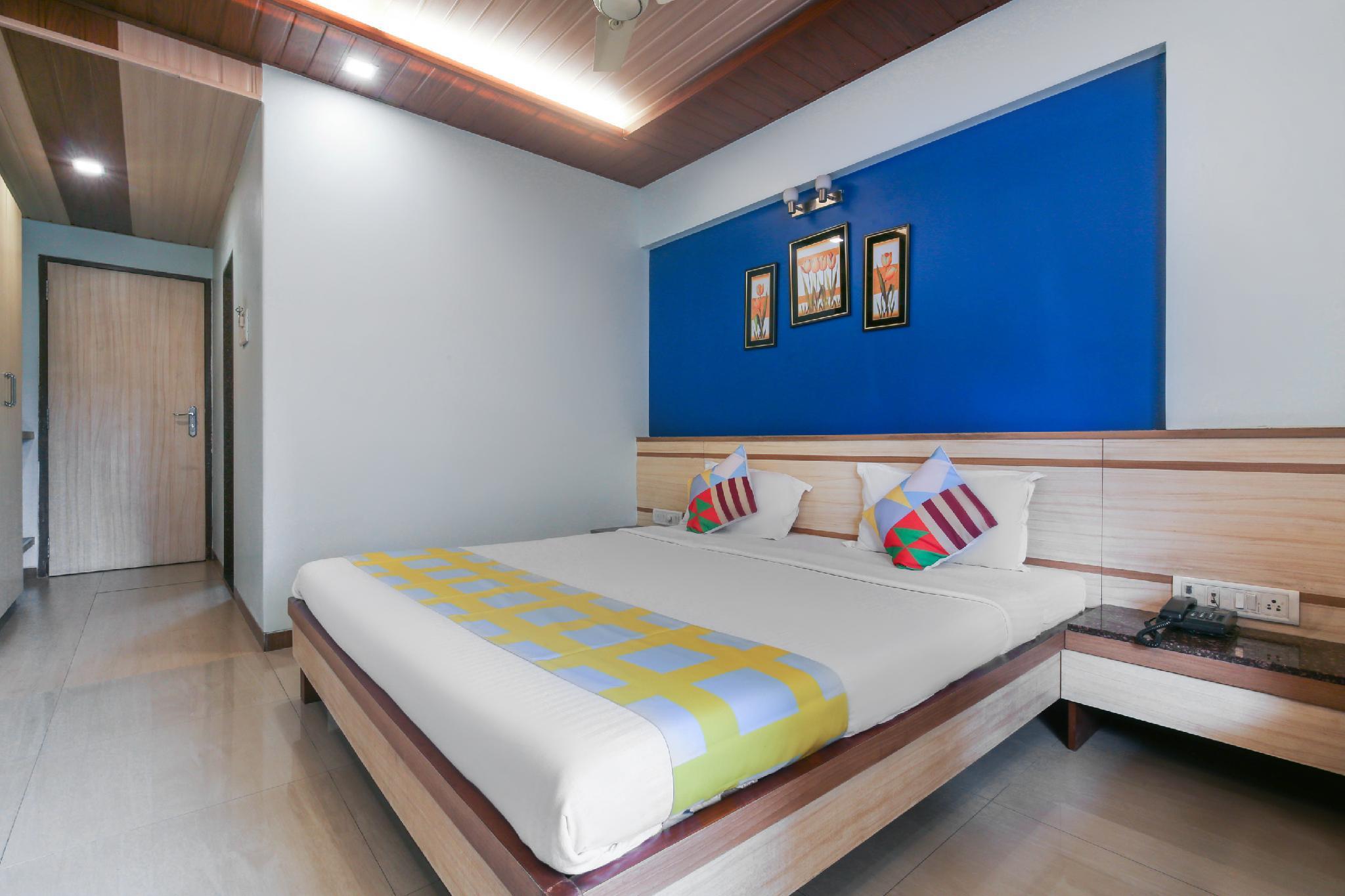 OYO Home 61748 Royal Stay Guru Heritage Kalamboli