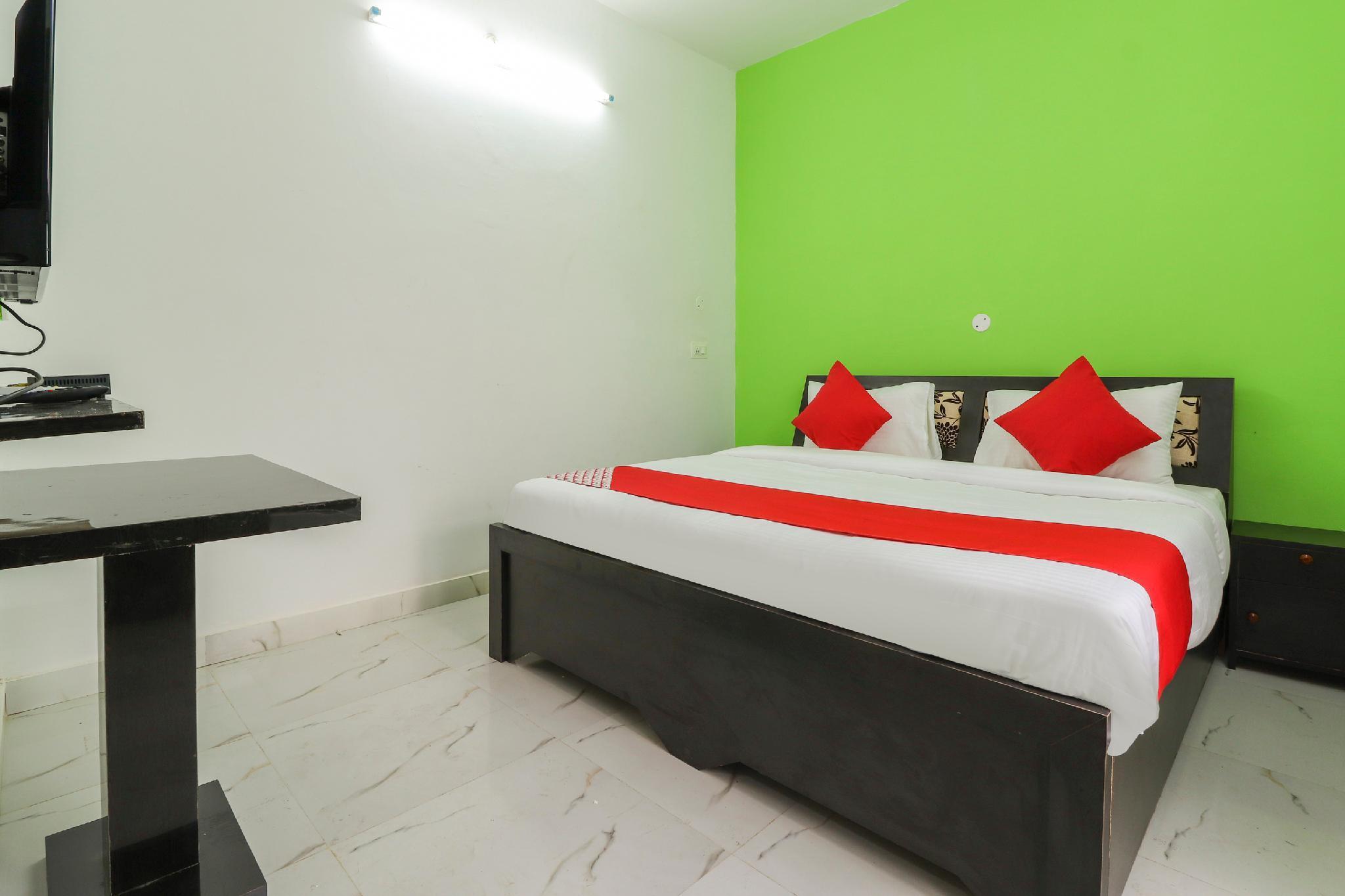 OYO 49324 Rs Palace