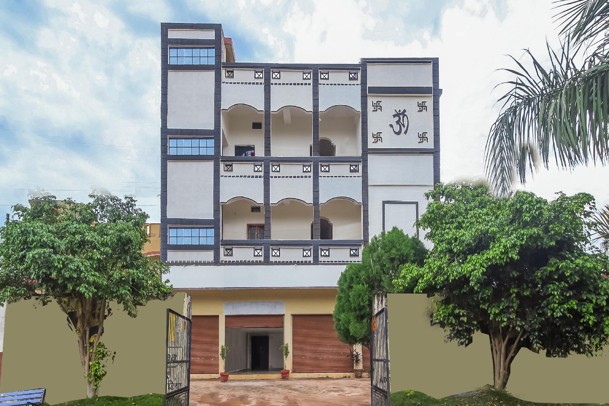 SPOT ON 60289 Shiv Residency