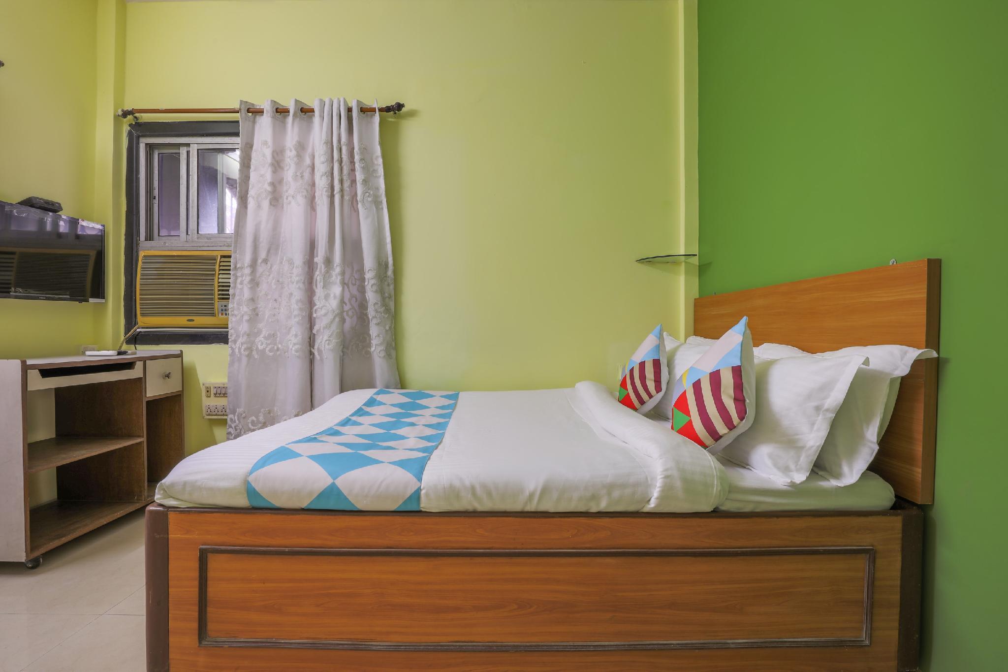 OYO 64046 Cozy Stay Vashi