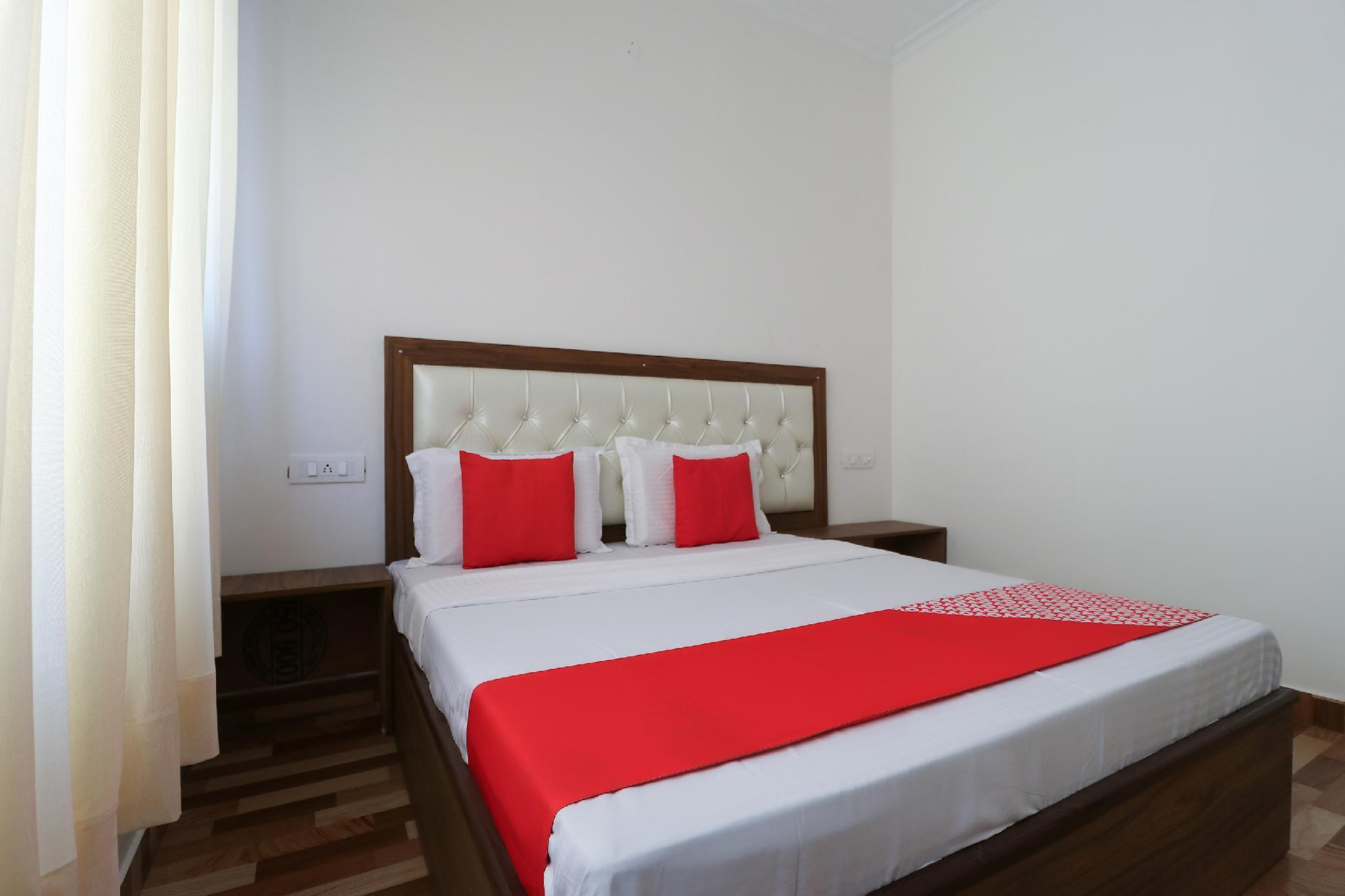 OYO 64004 Hotel Kartar
