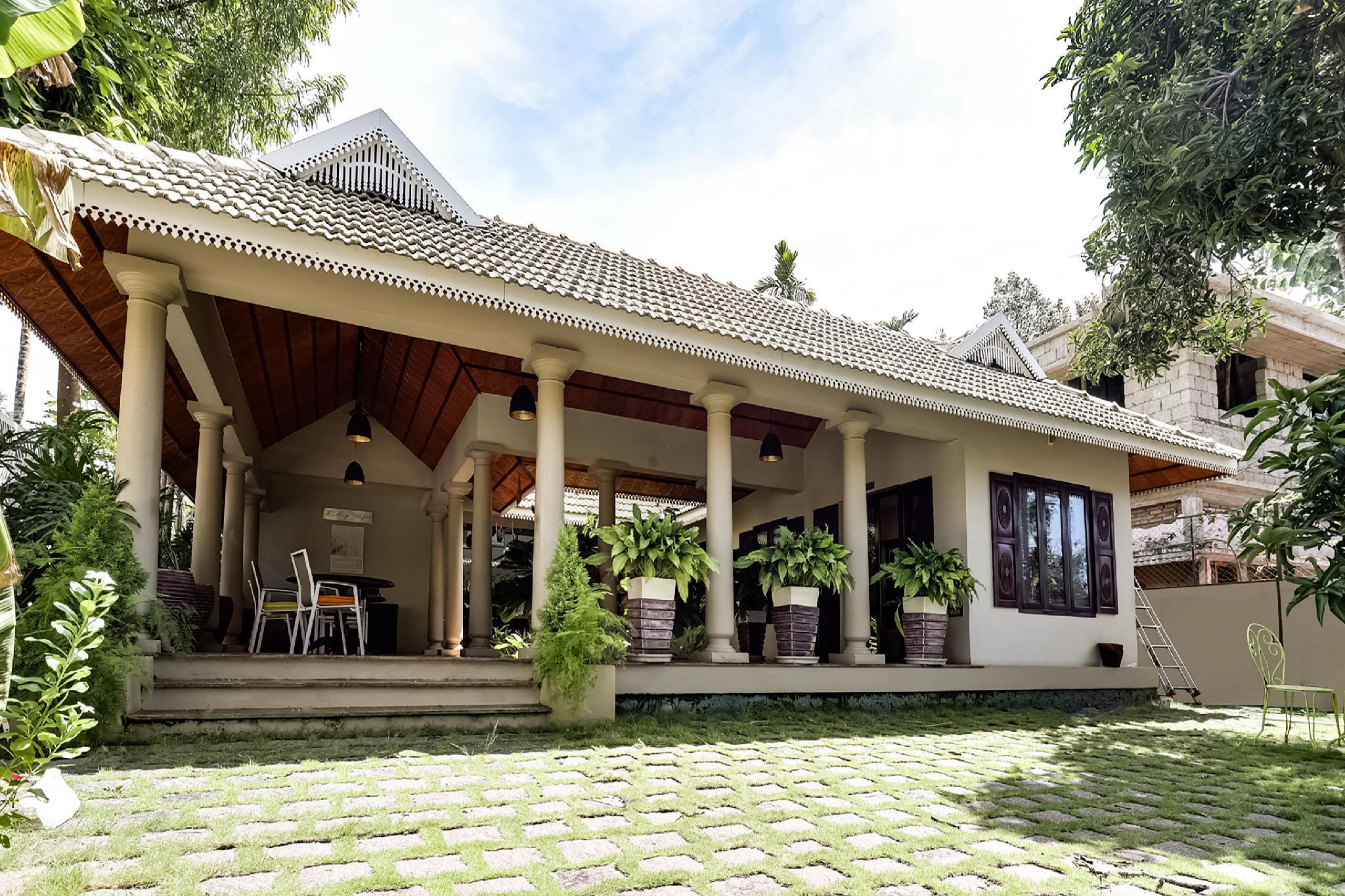 OYO 61923 The Mango Courtyard