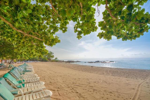 เฟิร์ส บังกะโล บีช รีสอร์ท หาดเฉวง เกาะสมุย – First Bungalow Beach Resort