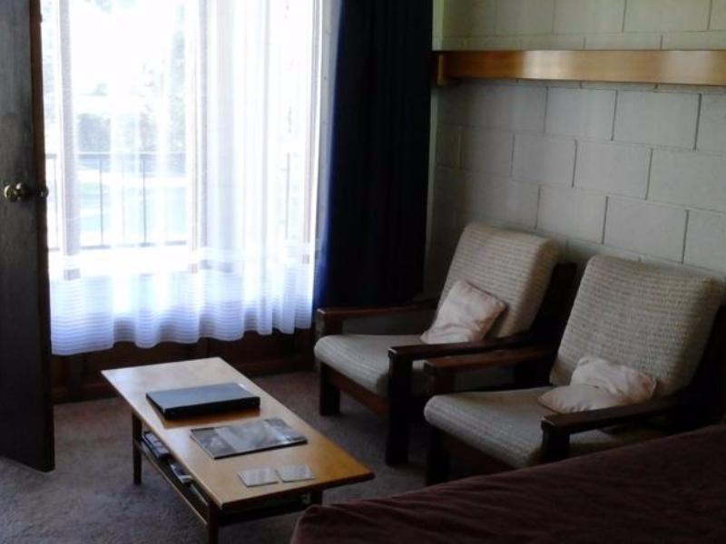 Elmore Lodge Motel