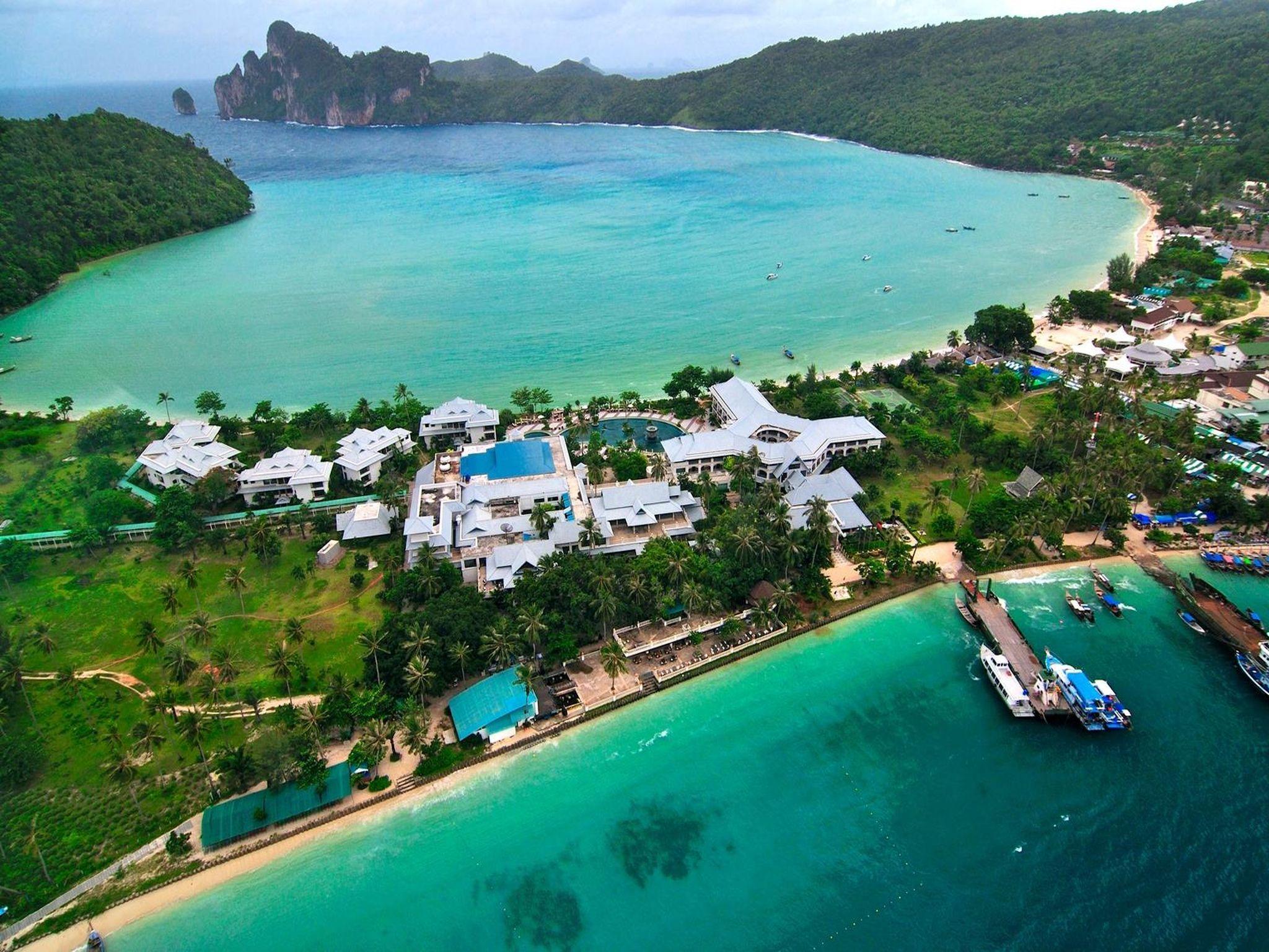 Phi Phi Island Cabana Hotel โรงแรมพีพี ไอส์แลนด์ คาบาน่า