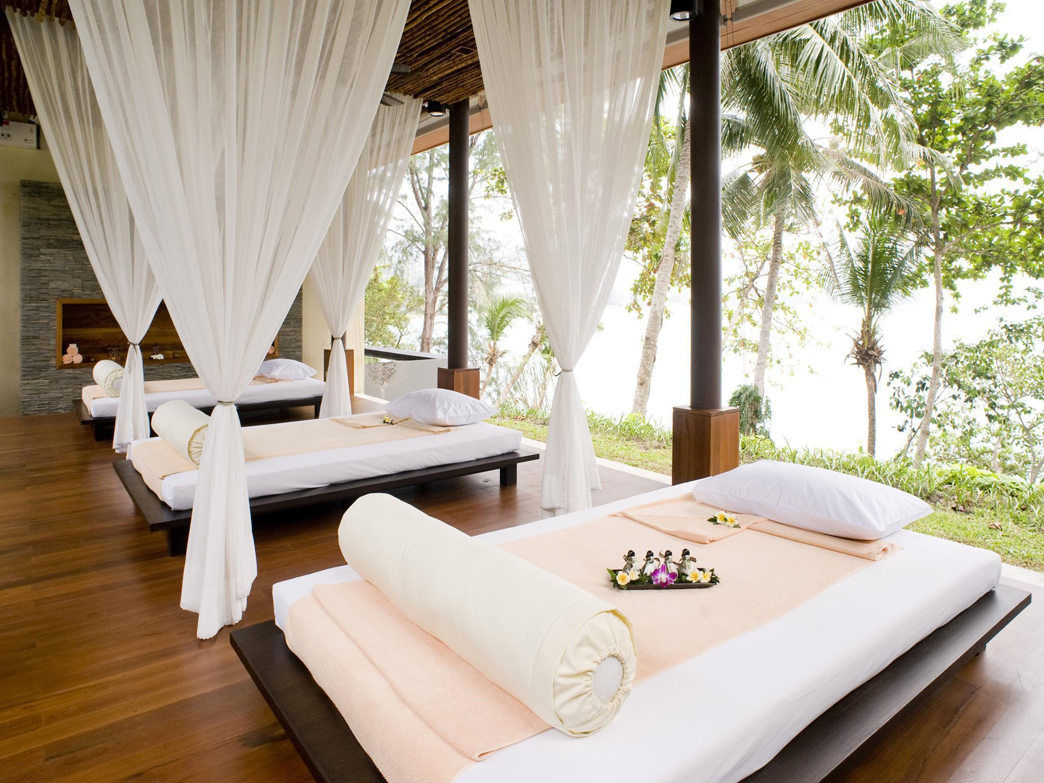 Centara Villas Phuket Hotel โรงแรมเซ็นทารา วิลลา ภูเก็ต