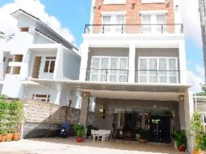 会达克酒店 (Huynh Duc Hotel)