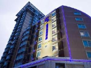 Starmoon Hotel
