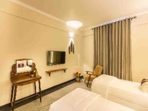 スバトマ ヘリテージ ホテル (Svatma Heritage Hotel)