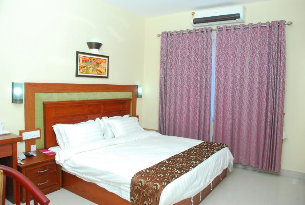 Reviews Royal Residency Park Hotel