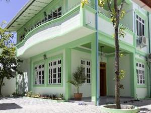 Magoodhoo Inn