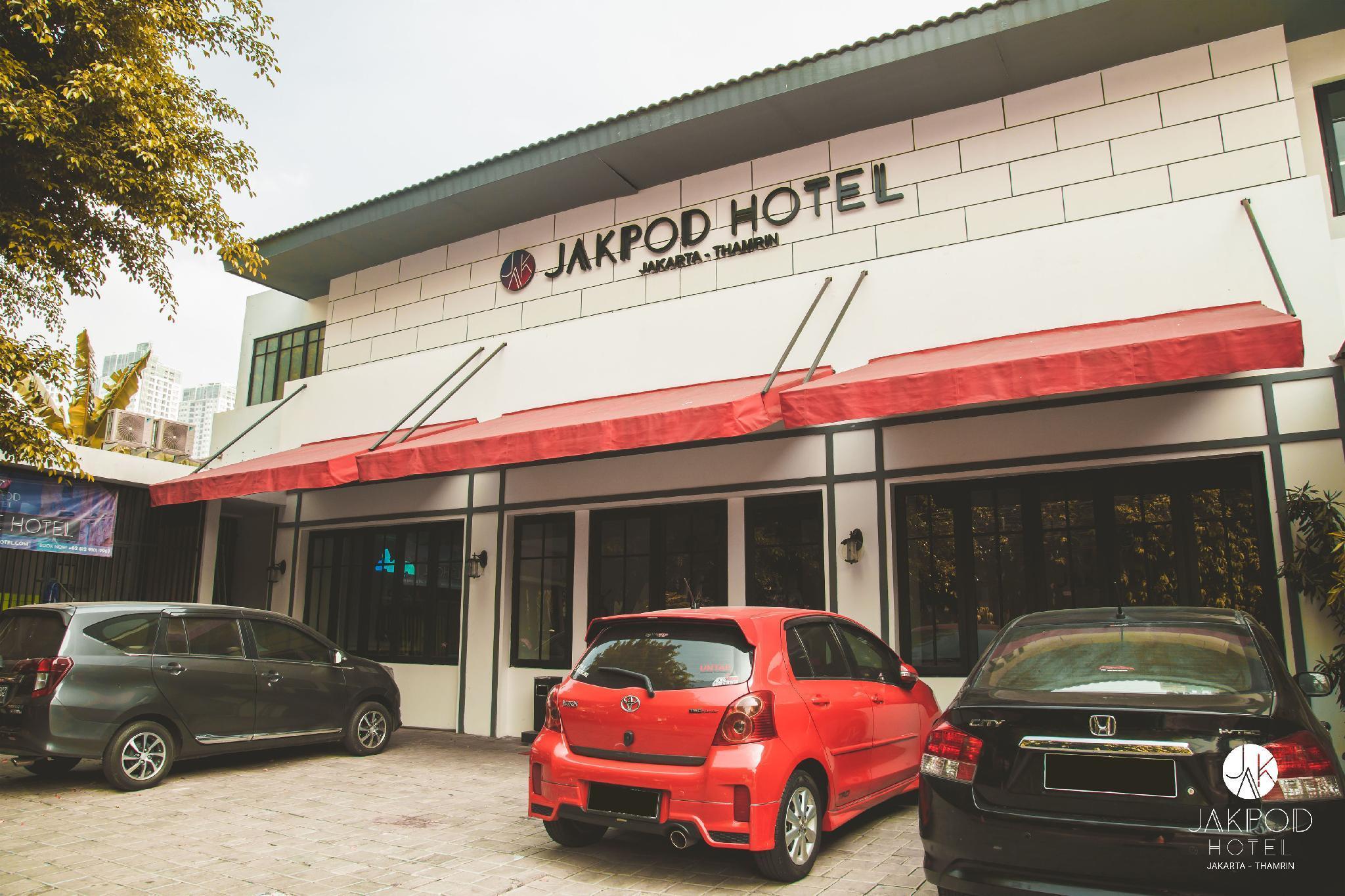 JakPod Capsule Hotel