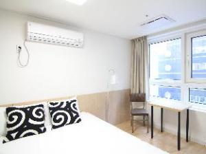 Oriental Modern Apartment 4
