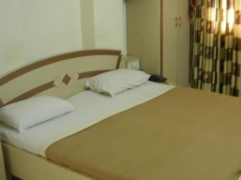 Hotel Woodland 2
