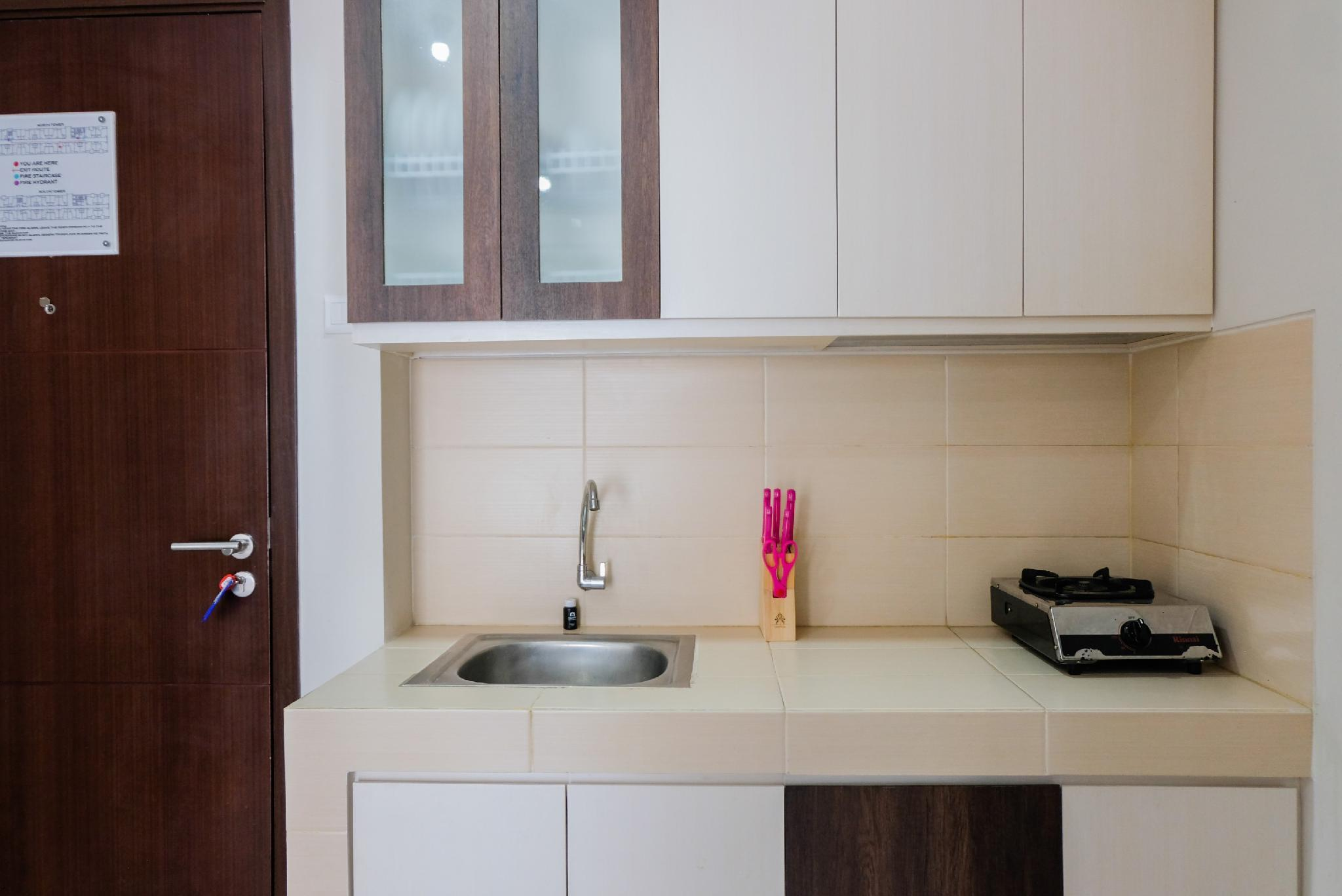 1BR Cozy Stay At Saveria Apartment By Travelio